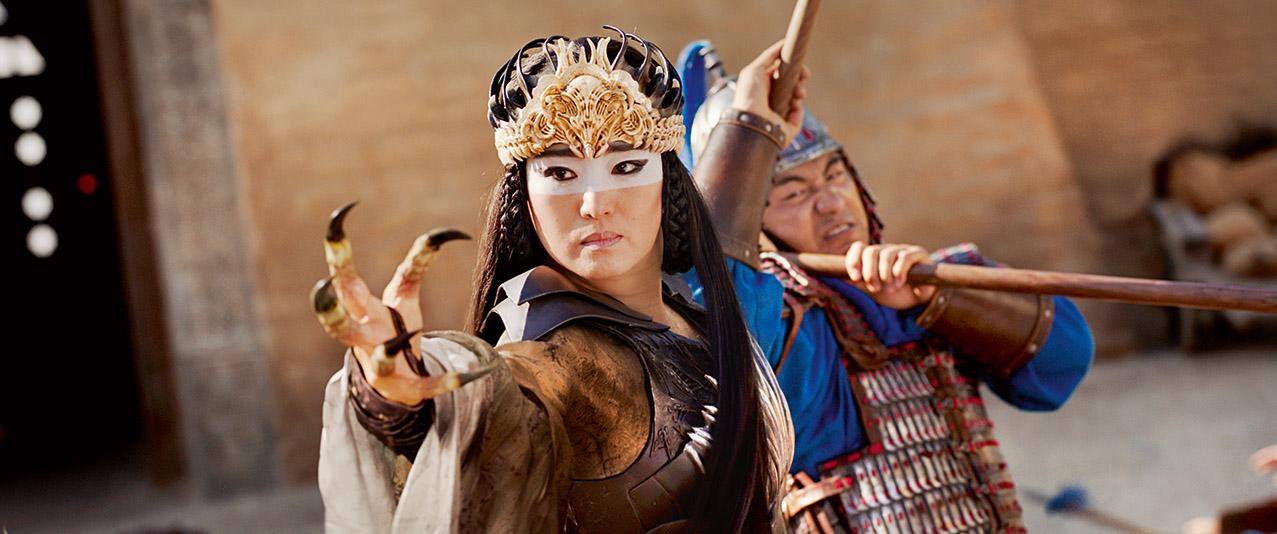 Gong Li - dziewczyna w czerwonej lektyce