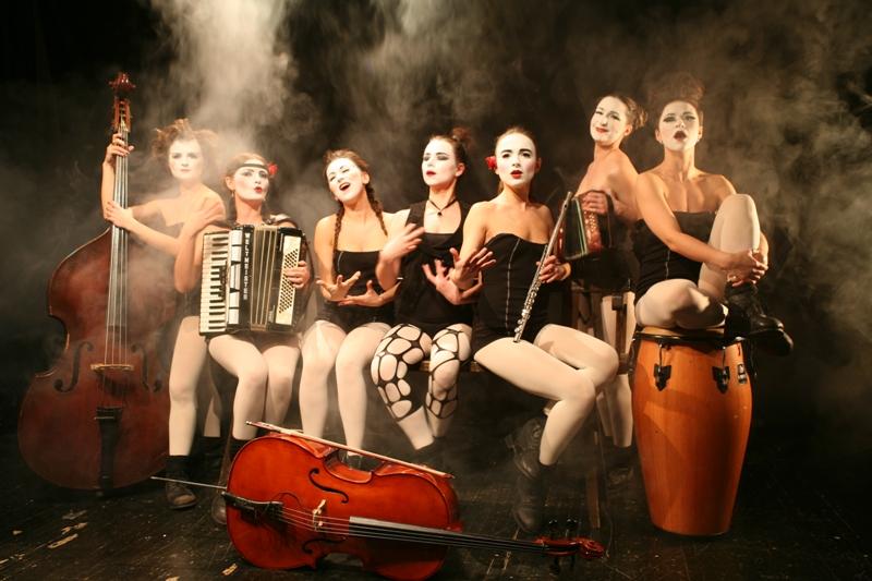 Dakh Daughters freak cabaret na WOMEX!