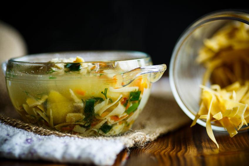 Zimowe minestrone z makaronem