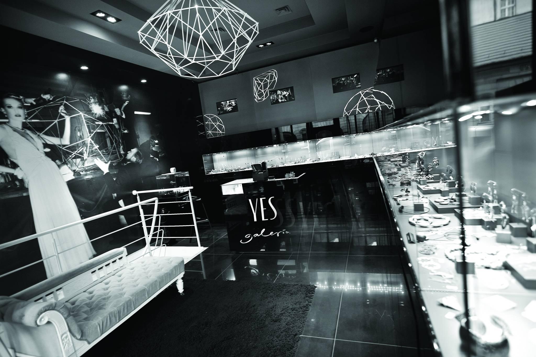 Wernisaż z okazji XX-lecia istnienia Galerii YES