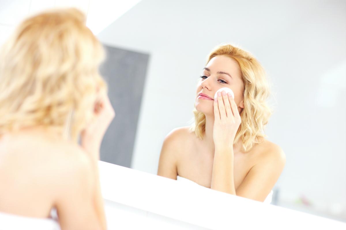 Płyn micelarny, pianka czy tonik? Czym pielęgnować skórę twarzy?