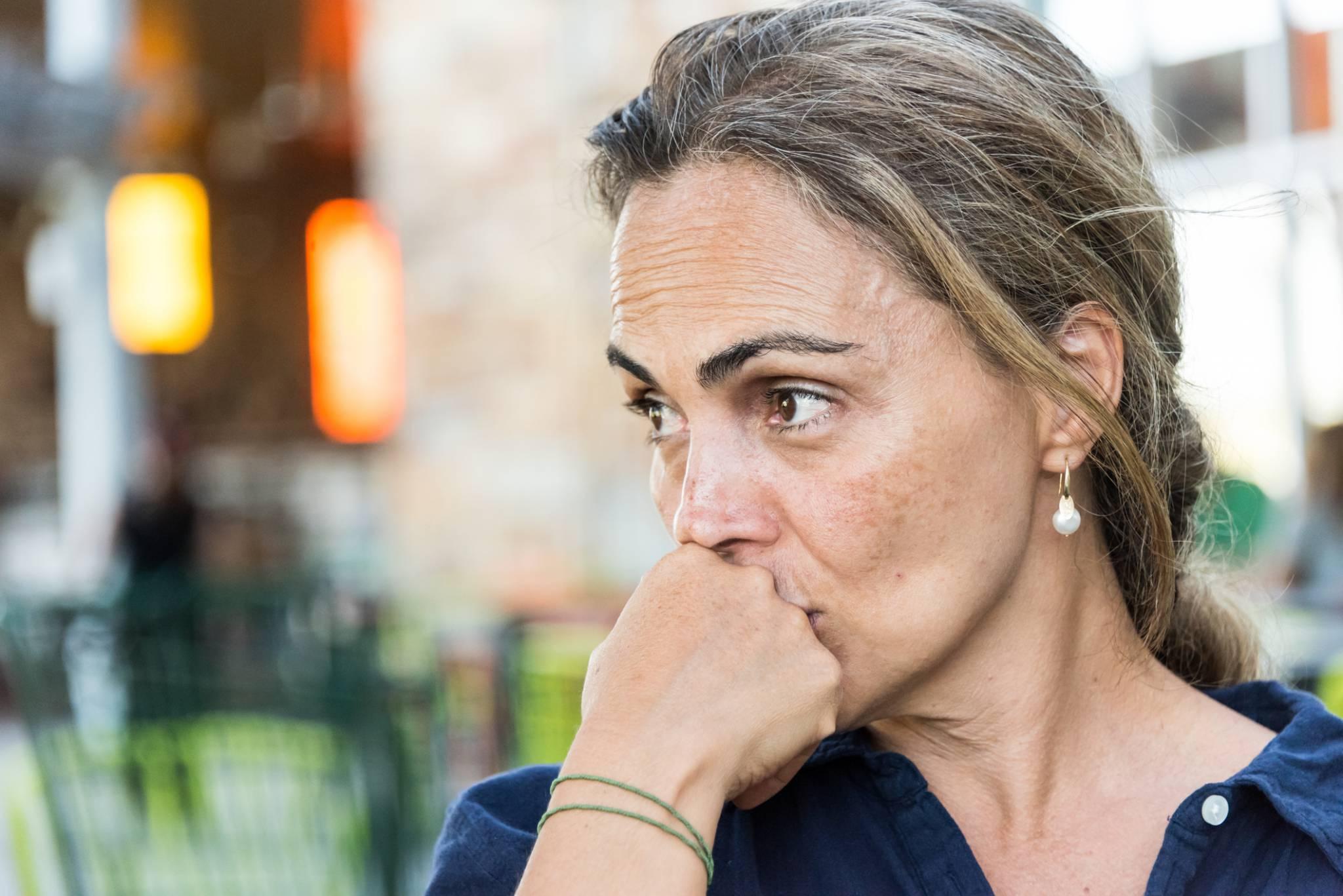 Kryzys środka życia. Co to za zjawisko? – wywiad z psychoterapeutą Tomaszem Teodorczykiem