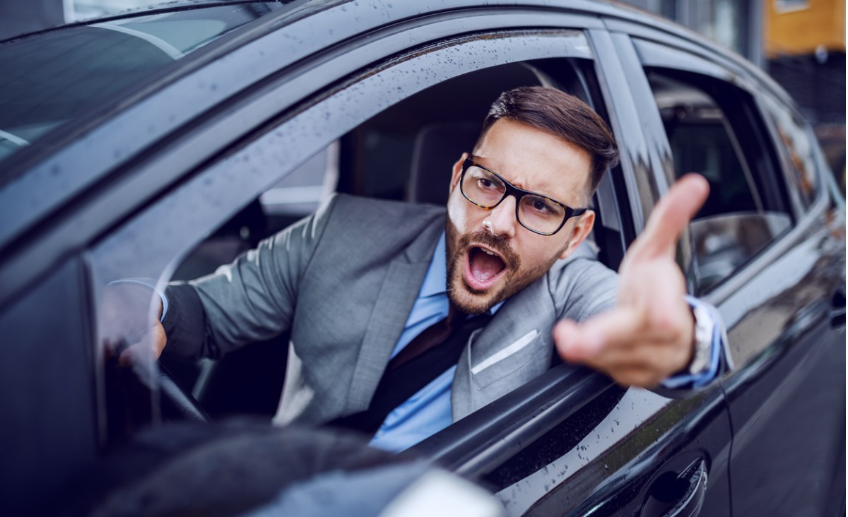 Jak rozmawiać z furiatami? – Sposoby na irracjonalne zachowania