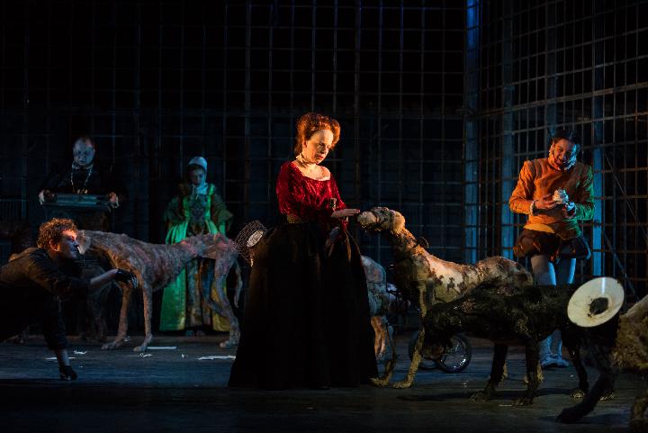 """""""Mary Stuart"""" w Teatrze Ateneum"""