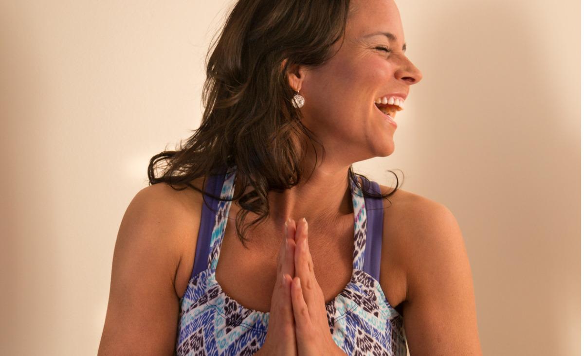 Joga śmiechu - sposób na pozbycie się napięcia
