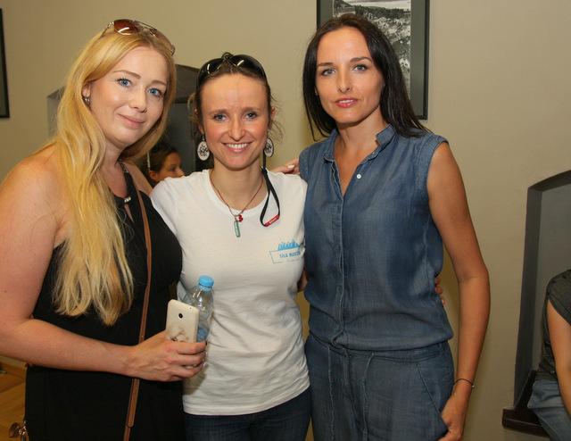 Miłka Roulin, Monika Brason, Justyna Ogłozińska (Zwierciadło)