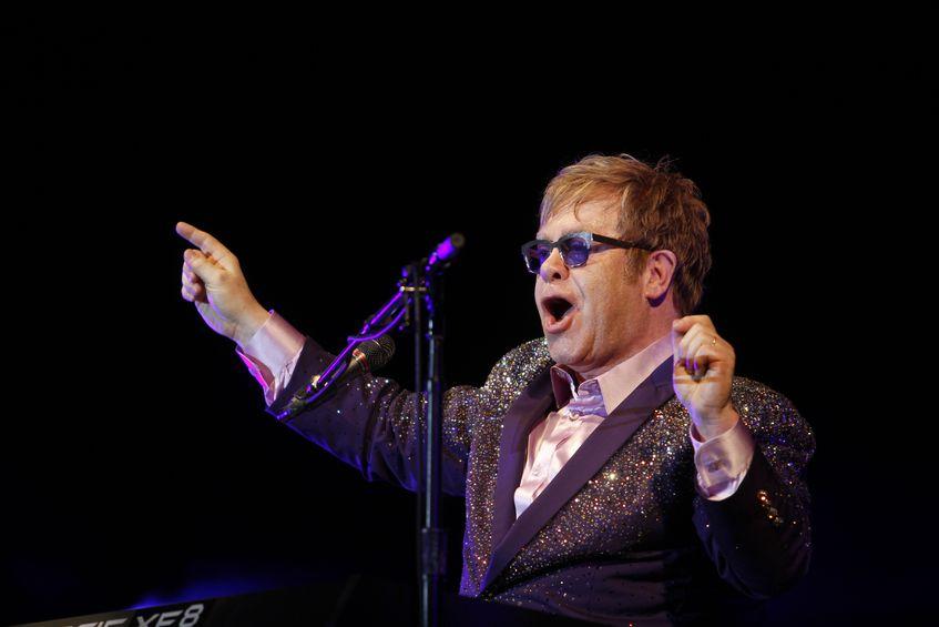 Elton John: poza startem i metą