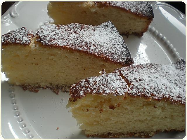 Świat Pachnie Szarlotką i Gâteau au Yaourt
