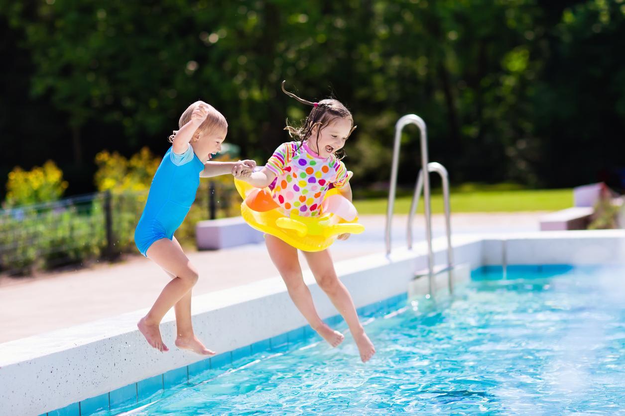 Bezpieczne wakacje: na co rodzice powinni zwrócić uwagę?