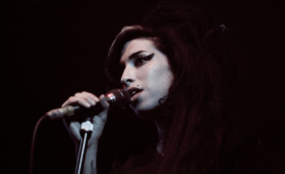 Amy Winehouse. Muza, ikona, dziewczyna z sąsiedztwa