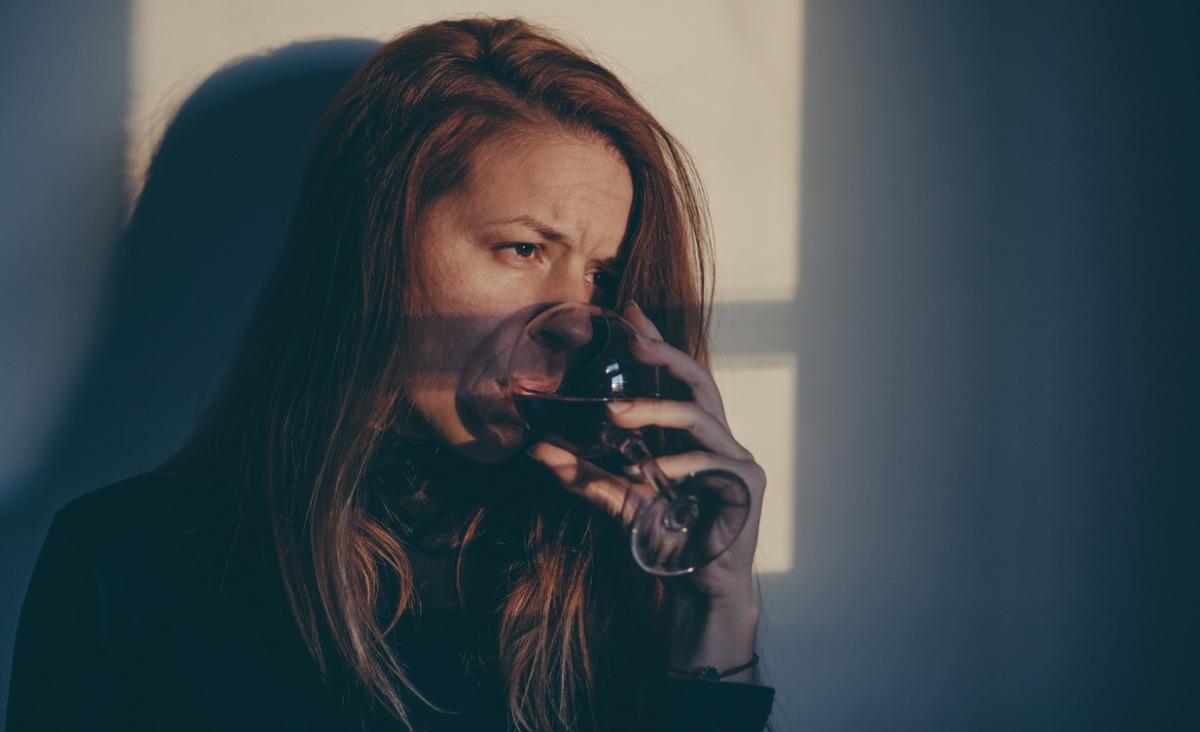 Na czym polega skłonność do uzależnień - pytamy psychoterapeutkę Natalię Jurys