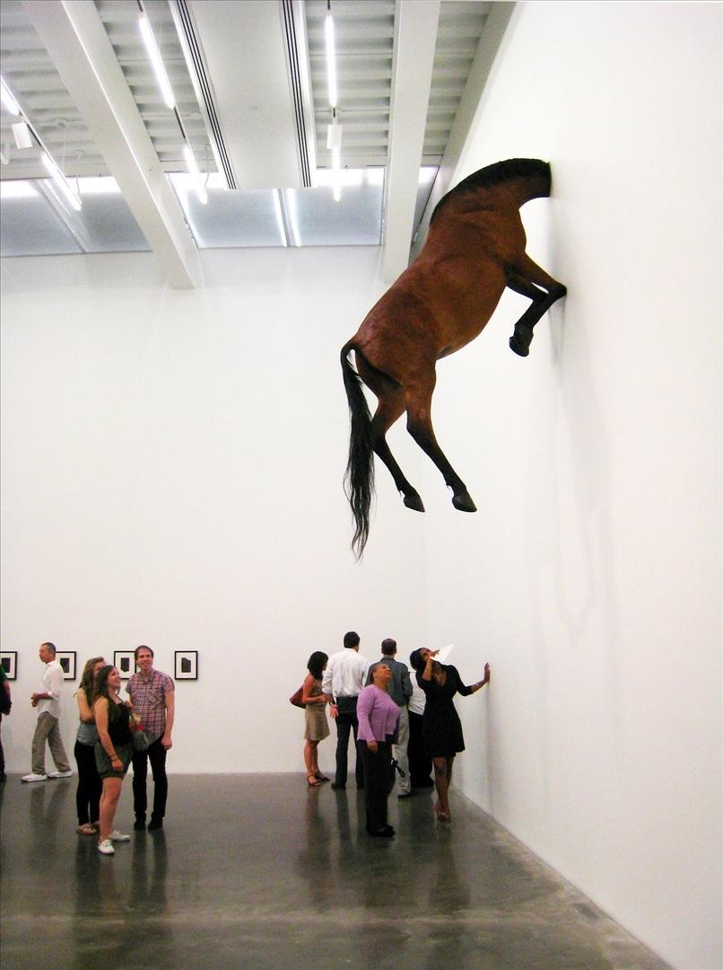 Maurizio Cattelan - Błazen Sztuki