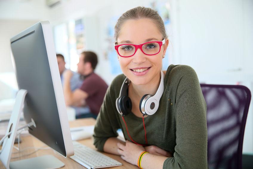 Młodzi ludzie zaczynają pracę - porady