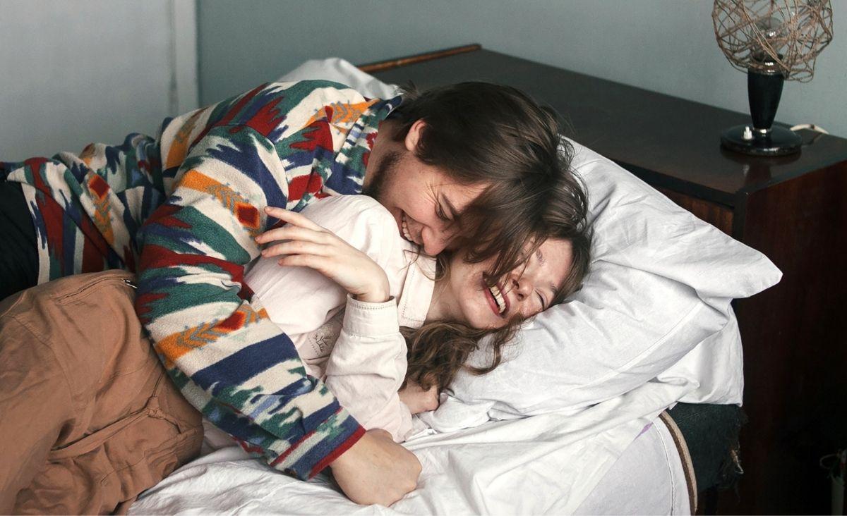 W łóżku z przyjacielem