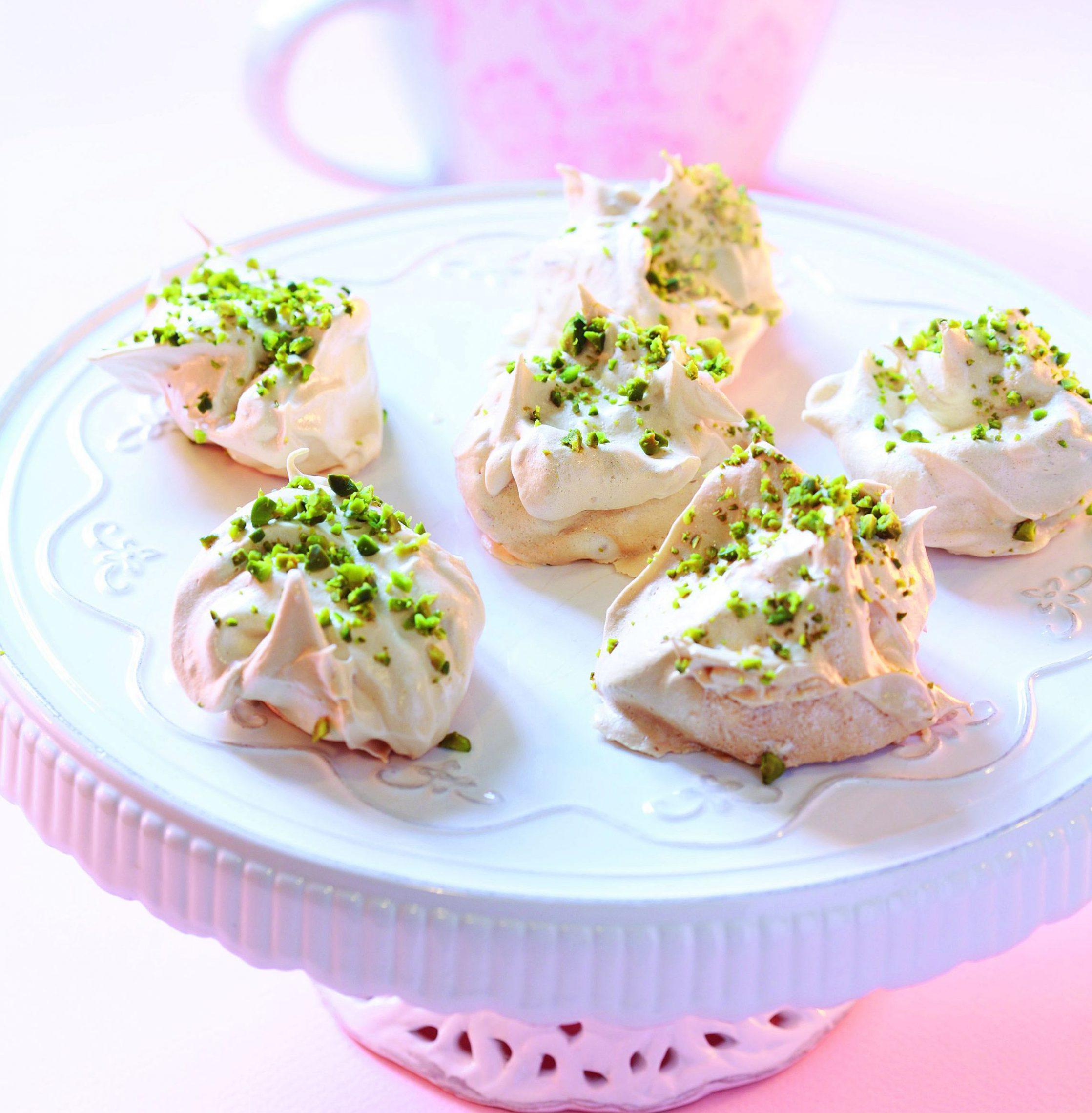 Bezy pistacjowo - różane
