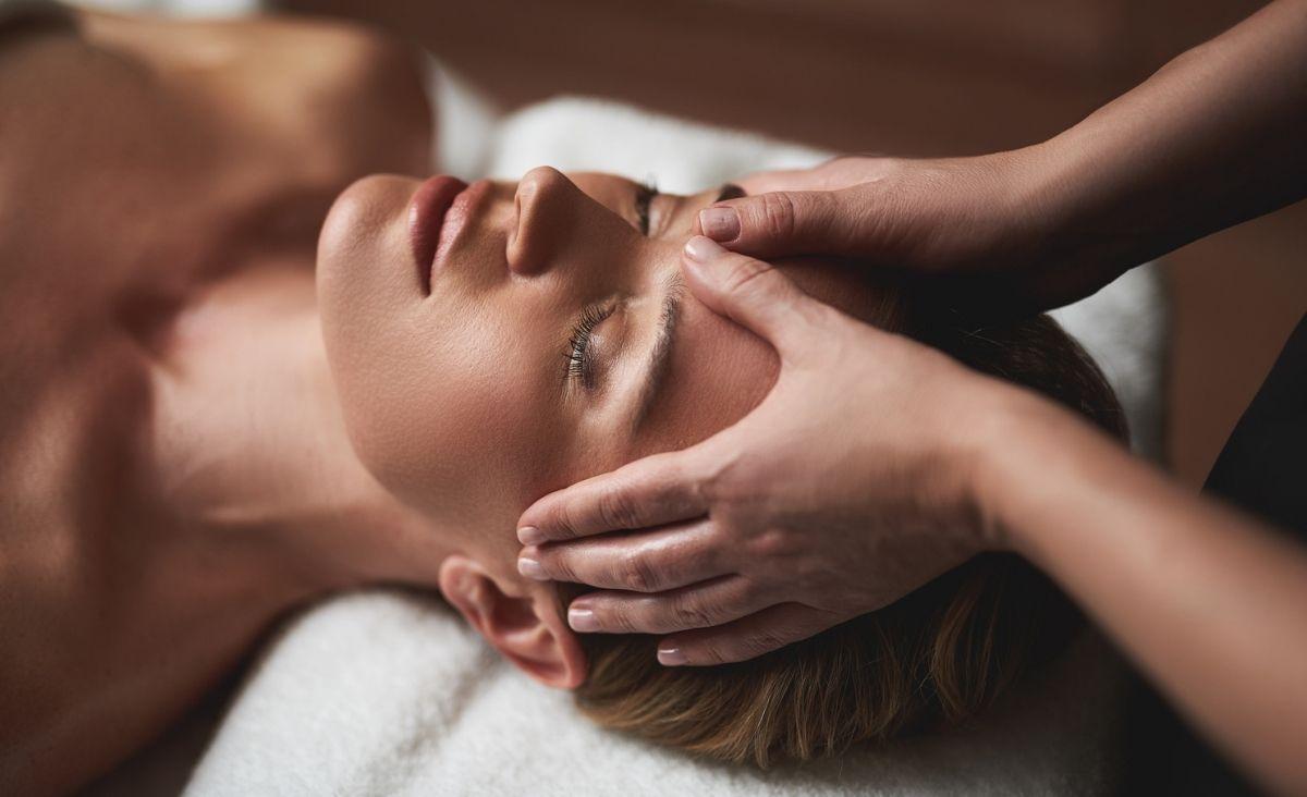 Masaż jivaka na rozluźnienie - odblokuj ciało i emocje