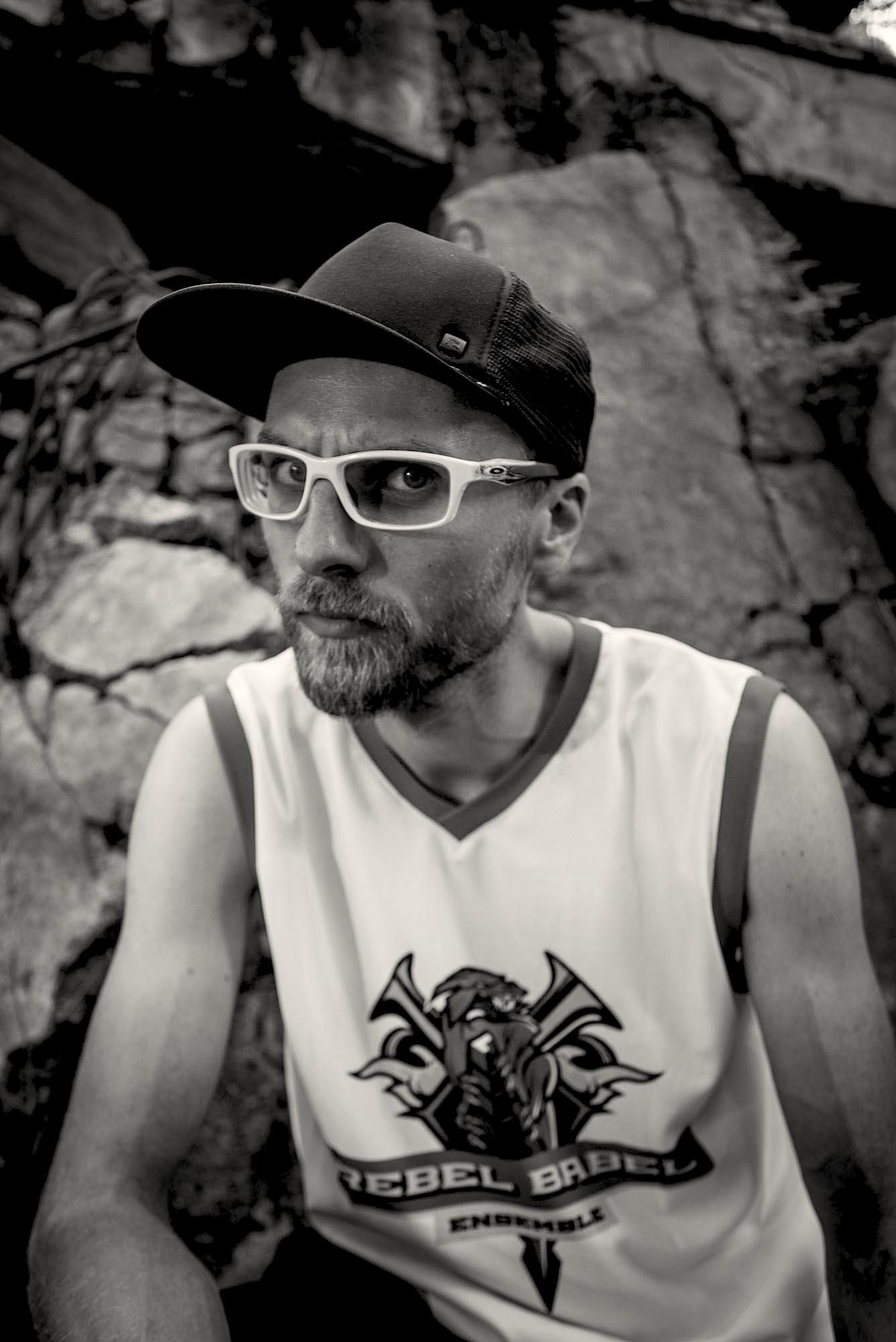 Zdjęcia z klipu Rebel babel Manifest na Westerplatte