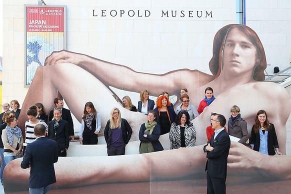 Nadzy mężczyźni w Muzeum Leopoldów w Wiedniu