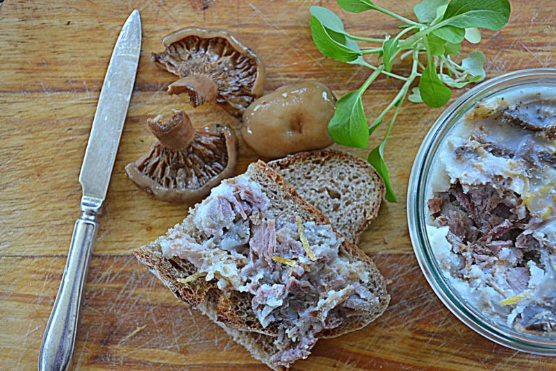 Kuchennymi drzwiami: Rillettes z gęsi z koniakiem i cytrynową skórką