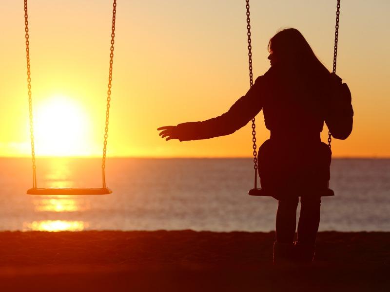 Przyjaźń w czasach samotności: Z kim będziemy tworzyć więzi w przyszłości?