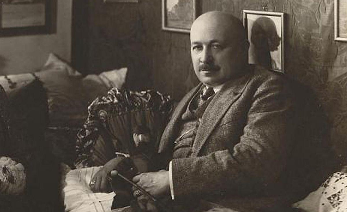 Kornel Makuszyński - ze słońcem w herbie