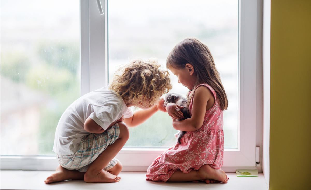 Córka zawsze sobie poradzi, syn potrzebuje więcej troski. Wychowanie dziecka a płeć