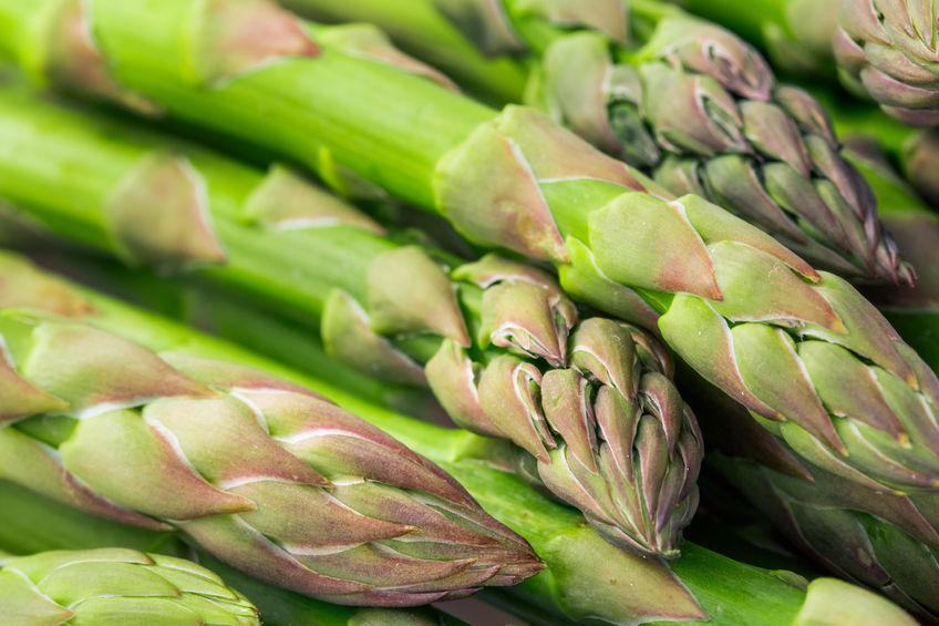 Szparagi: właściwości i sposoby przygotowania