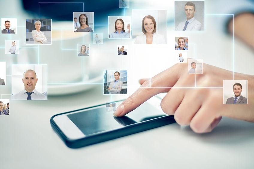 Jak dbać o zawodowe kontakty?