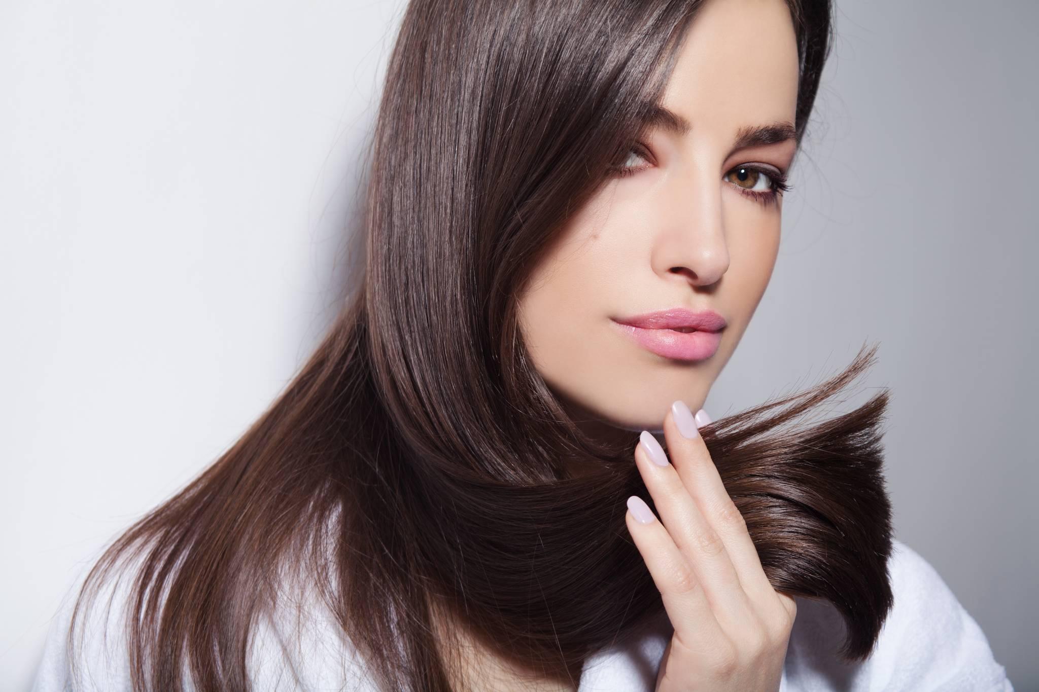 Piękne włosy każdego dnia. Jak je pielęgnować?