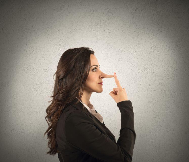 Po czym poznać notorycznego kłamcę? Trzy pytania do Lillian Glass
