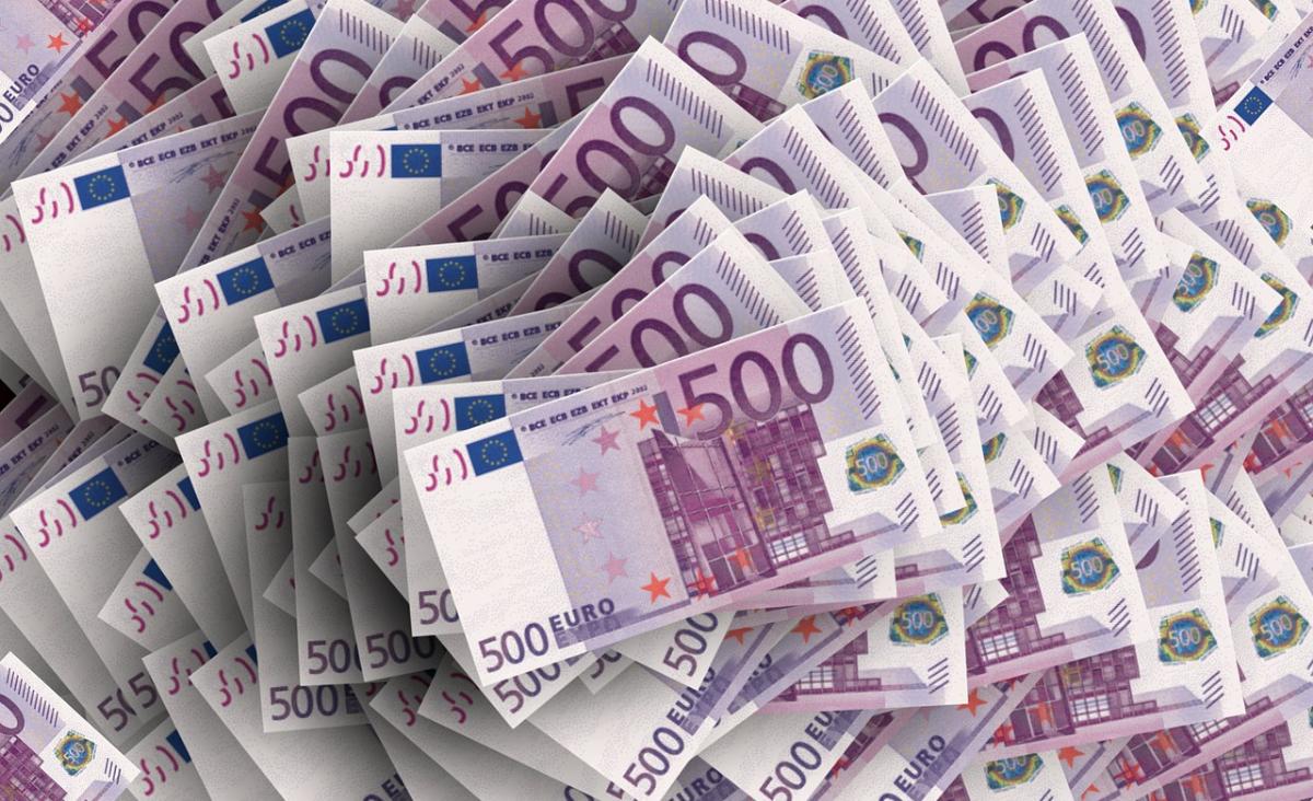 Euro w gotówce nie tylko ze stacjonarnego kantoru? Teraz to możliwe!