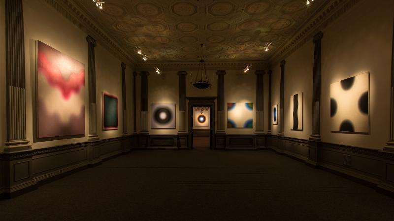 Zdjęcia z wystawy; dzięki uprzejmości de Pury de Pury