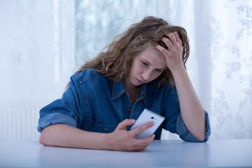 Cyberbullying. Przemoc w erze nowych technologii