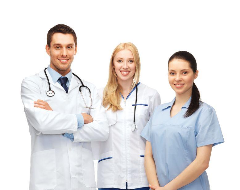 Kto jest lepszy - lekarz czy lekarka?