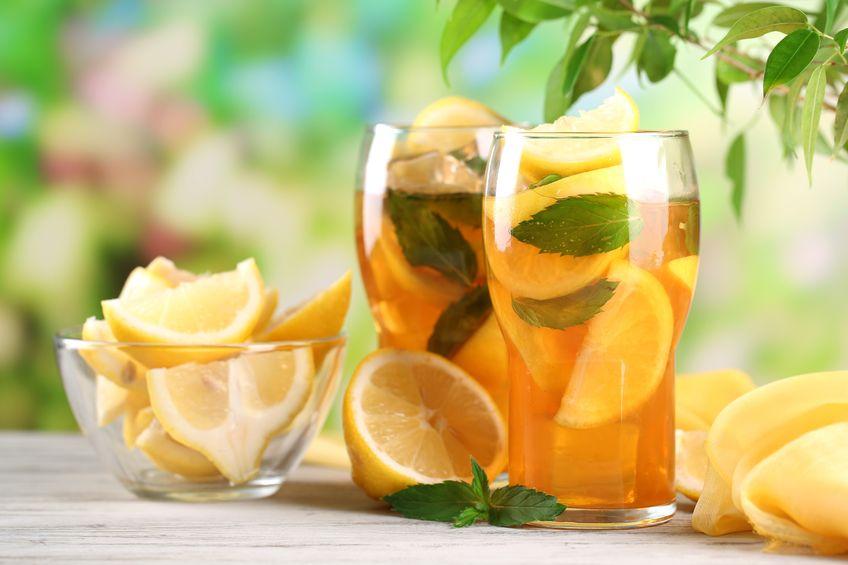 Regeneracyjne koktajle herbaciane