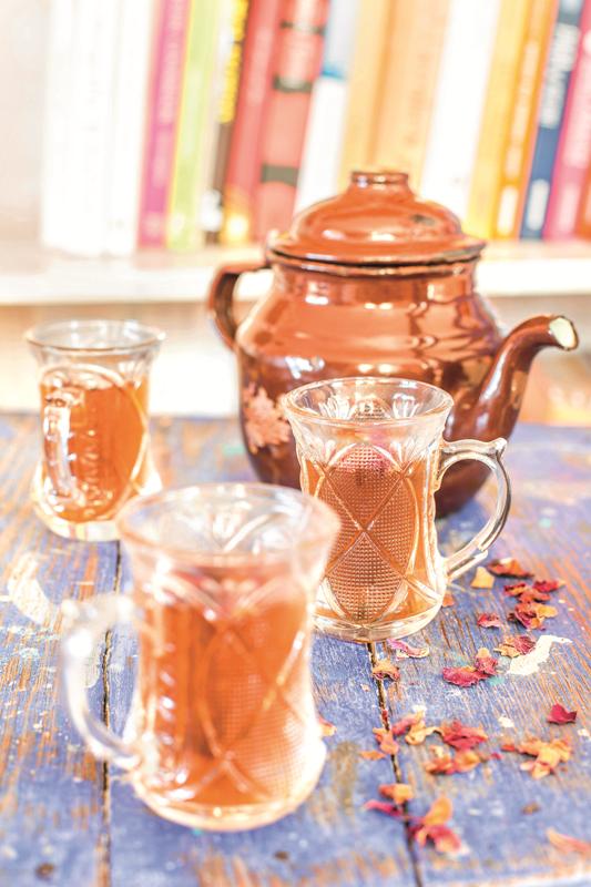 Ciepłe napoje, które poprawiają nastrój – 3 przepisy