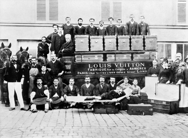 Louis, Georges et Gaston-Louis Vuitton wraz z pracownikami, ok 1888