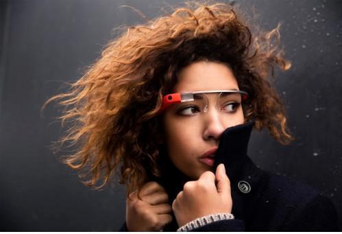 Interaktywne_okulary_google_glass