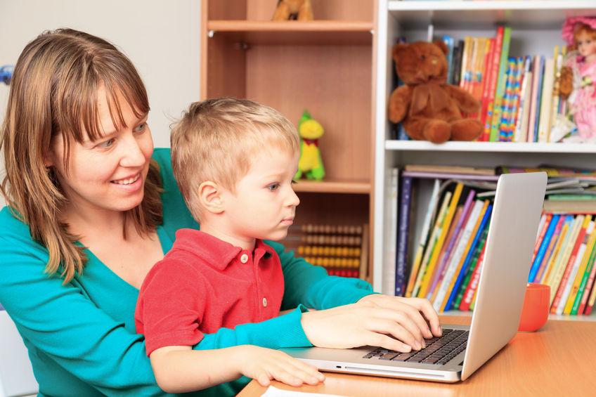 Jak wprowadzić dziecko w wirtualny świat?