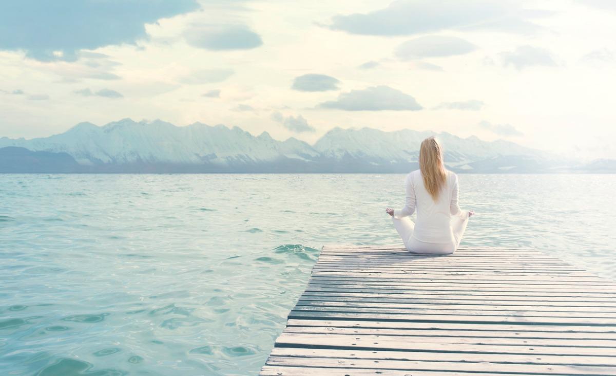 Potęga akceptacji, czyli jak w osiągnięciu spokoju wewnętrznego może pomóc praktyka zen?
