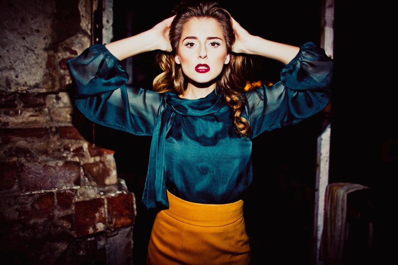 Elegancja i kobiecość w kolekcji Riny Cossack