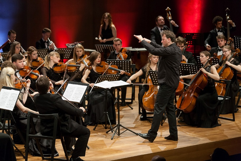 Adam Klocek i Młoda Polska Filharmonia; fot. Mariusz Martyniak