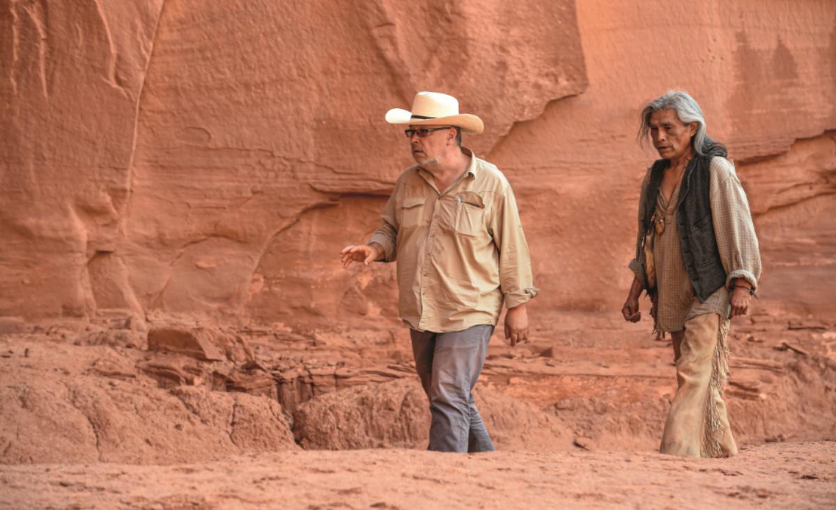 """Pustynia jest pełna życia. Rozmowa z Lechem Majewskim, reżyserem filmu """"Dolina Bogów"""""""