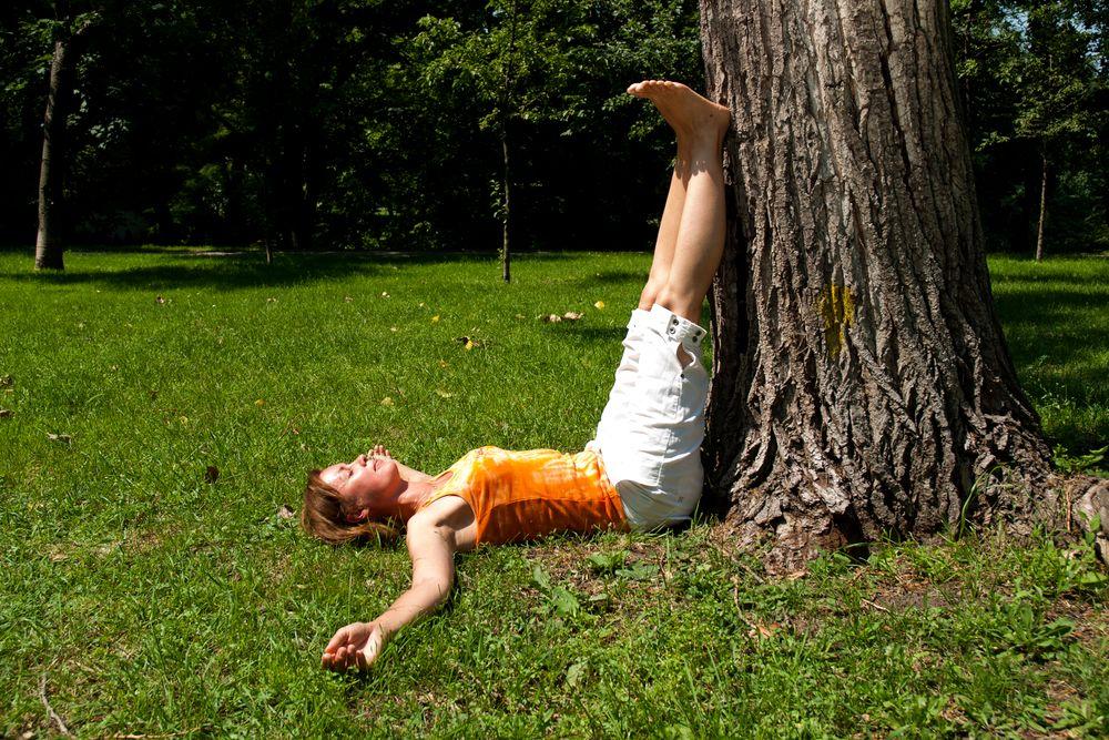 Joga na trawie – ćwiczenie numer 8: głęboka regeneracja