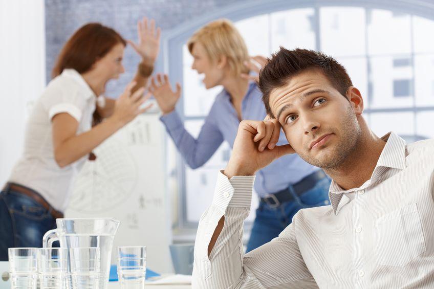 Toksyczne relacje w pracy – nie daj się im!