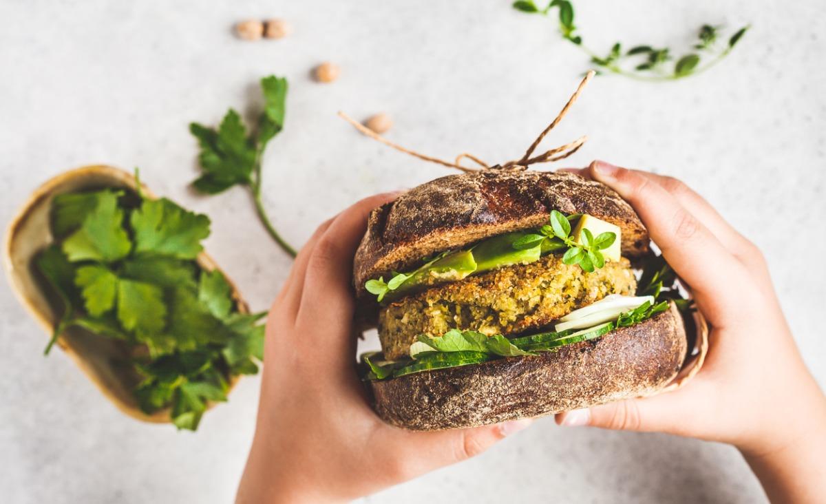 5 przepisów na wegetariańskie kotlety i vege kebab