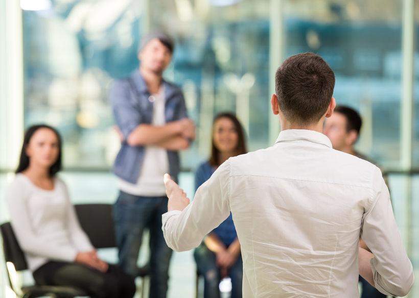 Jak reagować, gdy współpracownicy są poniżani?