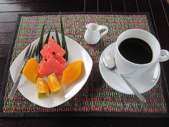 Kawa i owoce – prawdziwie wakacyjne połączenie