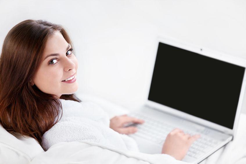 Laptop dla kobiety - asystent na procesorach