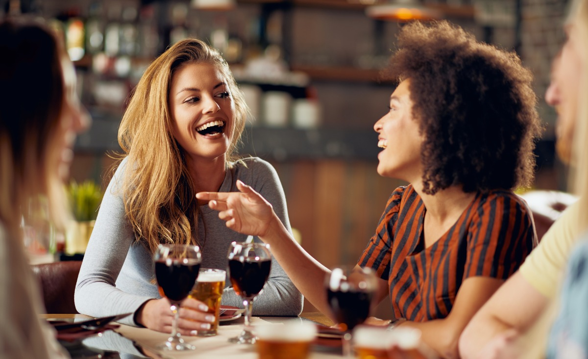 Obśmiej to - na czym polega terapia prowokatywna?